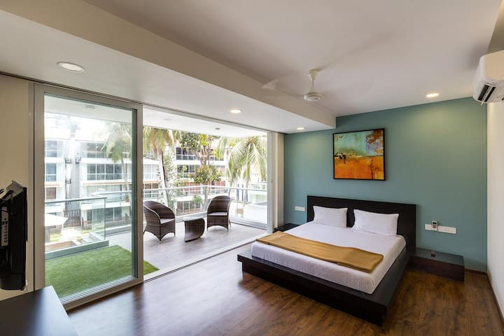 Luxurious 2.5 BHK Apartment with Pool View