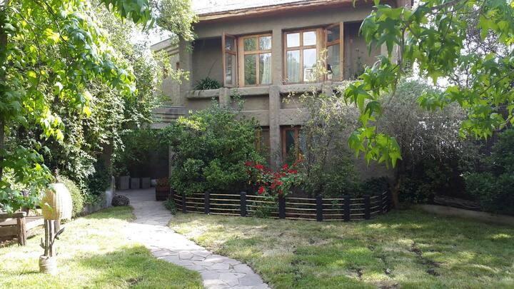 Bella casa en El Arrayan. Min 1 año