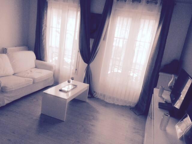 Studio meublé à Bussy St Georges 10min de DISNEY