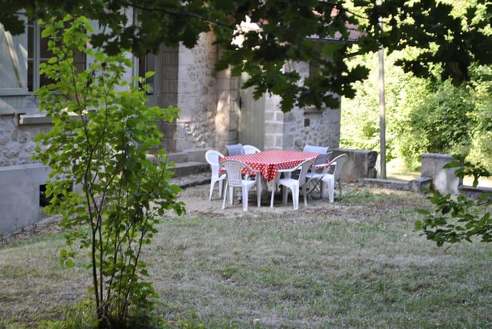 Terrasse sur le jardin