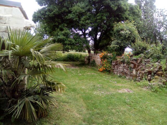 2 Chambres dans belle maison au calme - Moulon - Haus