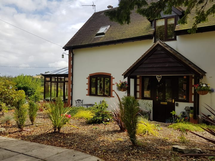 Rowan Cottage, Stunning, Picturesque, A Real Gem
