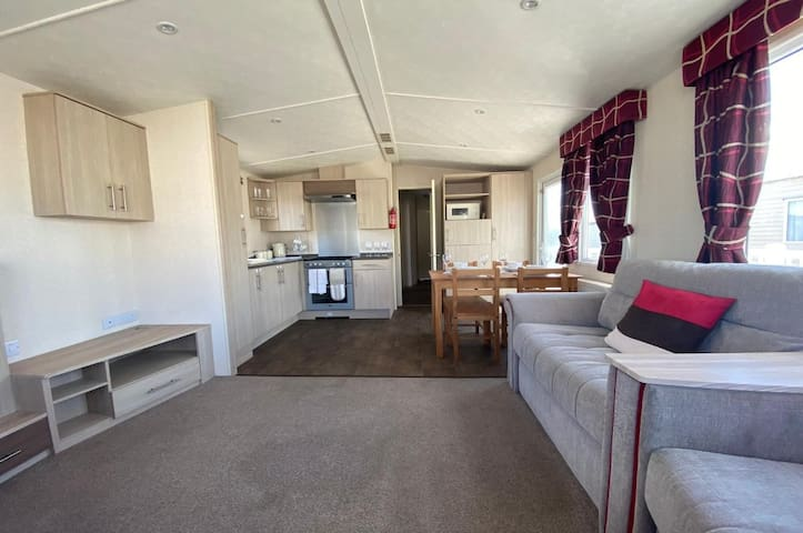 Large Mobile Home, Pevensey Bay Holiday Park,