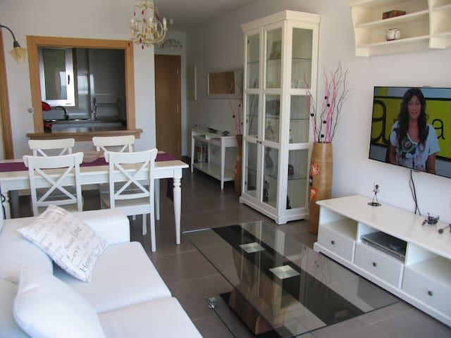 Apartamento ideal para visitar Santiago y Galicia - Brión - Apartamento