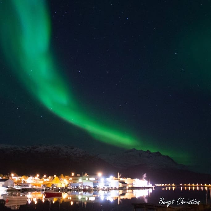 the harbour, boats and my apartment bathing in aurora