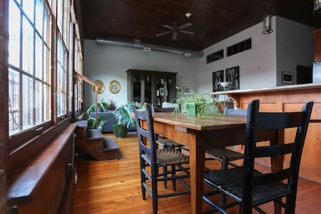 Downtown Loft with Balcony - Asheville
