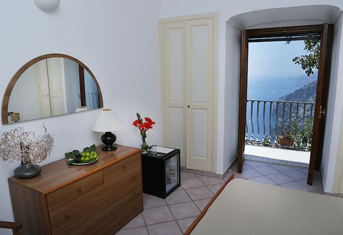 Colle dell'ara B&B Positano room 4