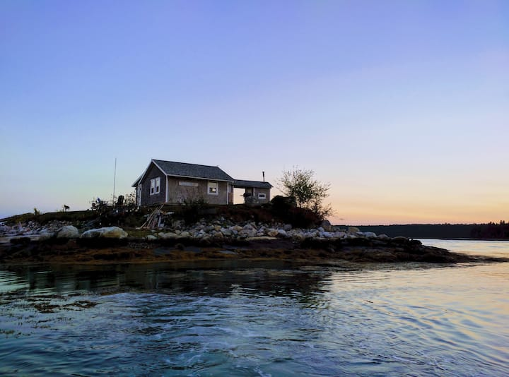 Romantic Private Island  Cottage in Midcoast Maine
