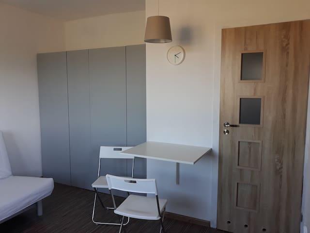 Samodzielne mieszkanie przy urokliwej części WPN