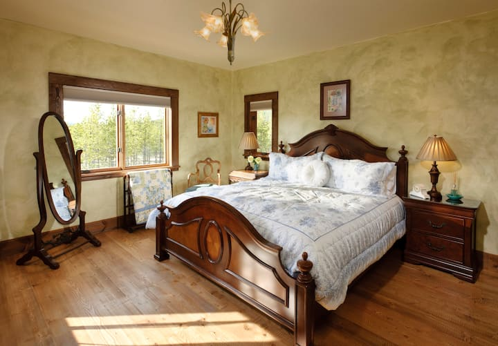 Eden Suite - Cabin Creek Landing Bed & Breakfast