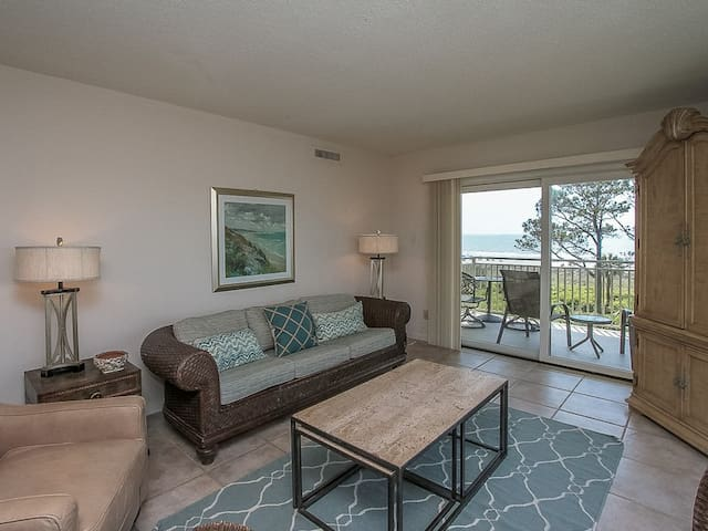 Deck Access from Living Room at 407 Shorewood