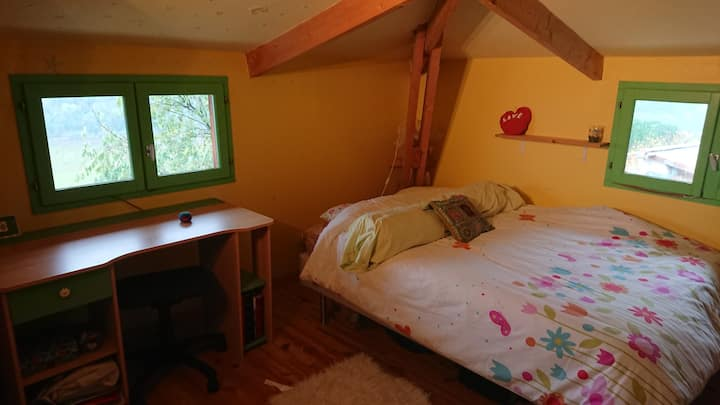 Chambre avec vue sur la vallée de l'Eyrieux