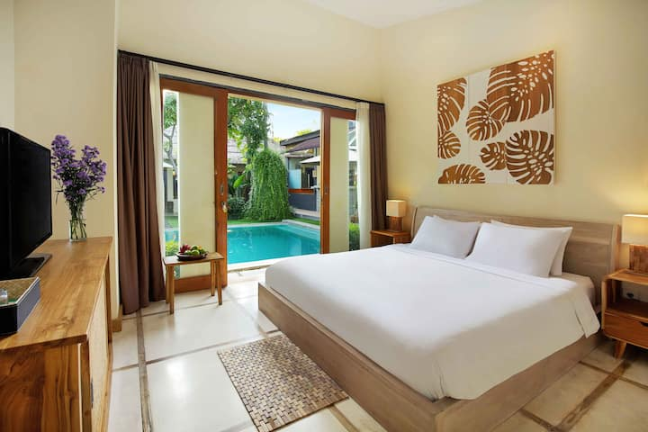 1 BDR WITH POOL VIEW AT PRIVATE VILLA