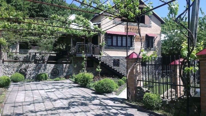 Cottage Algeti