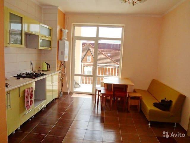 Уютная благоустроенная квартира для отдыхающих - Gelendzhik - Apartmen