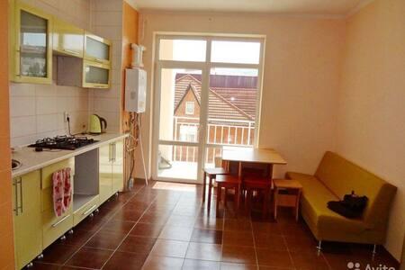 Уютная благоустроенная квартира для отдыхающих - Gelendzhik - Wohnung