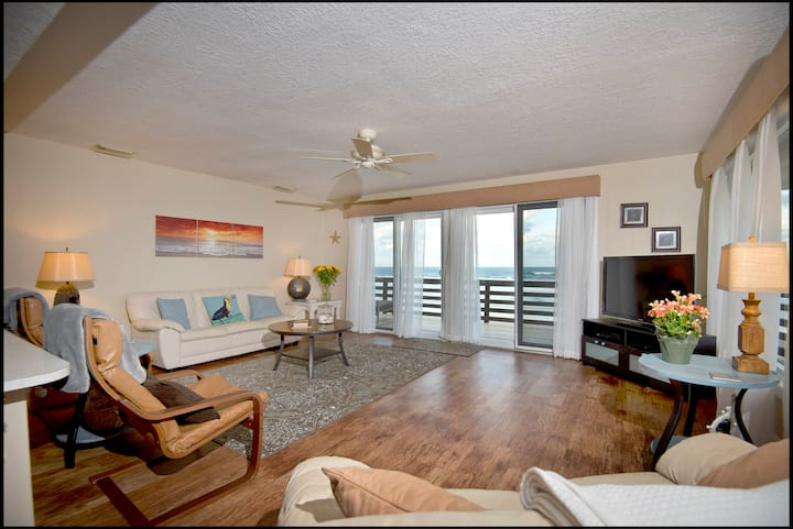 Oceanfront 2/2 Crab Unit Upstairs South Pet's OK!