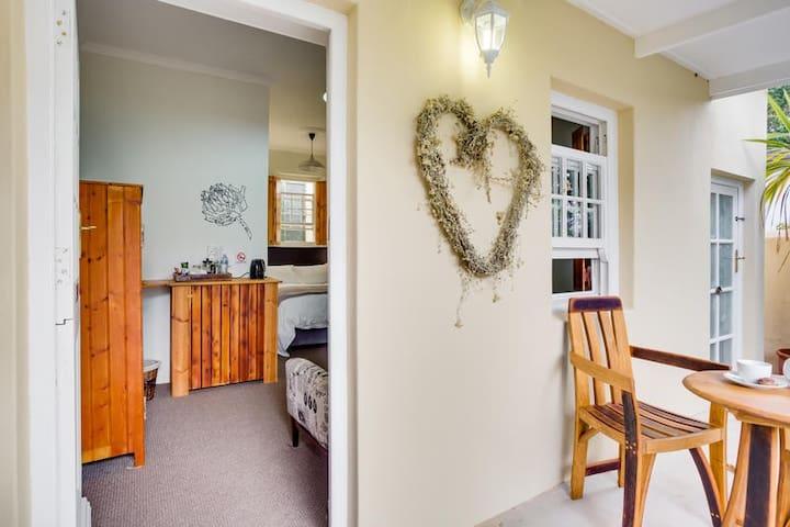 Room 3: Standard Double Garden Room