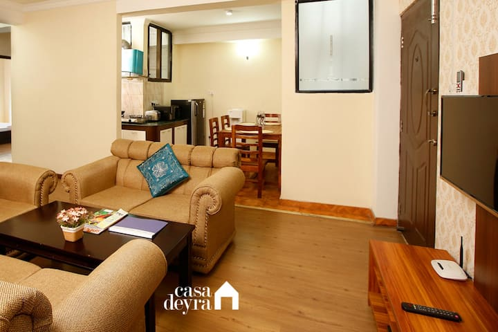 Vibrant 'Jhamel' 2BHK, Apartment by Casa Deyra