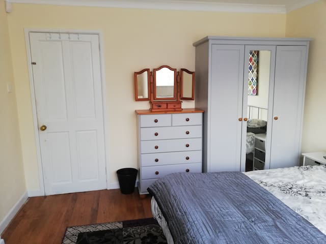 Private Quiet room, ground floor. Corbiere Lodge