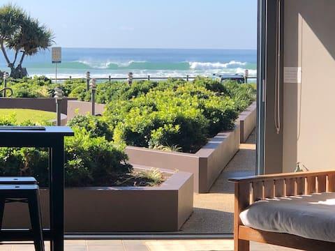 Beachfront OceanViews Pool Central location