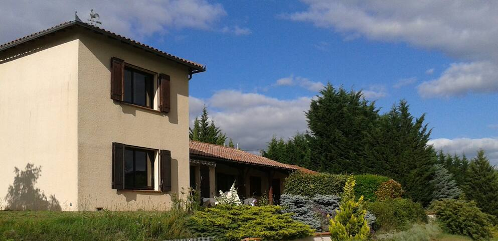Suite-restful place, unspoiled nature/pool - Montbrun-Bocage - Penzion (B&B)