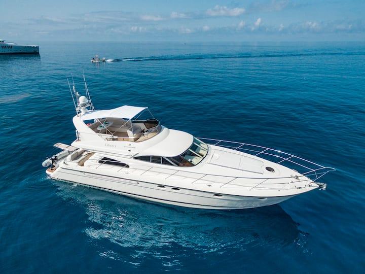 Fairline Luxury Yacht 60'