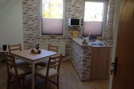 Gemütliches Dreibett Apartment - Bielefeld - Hus