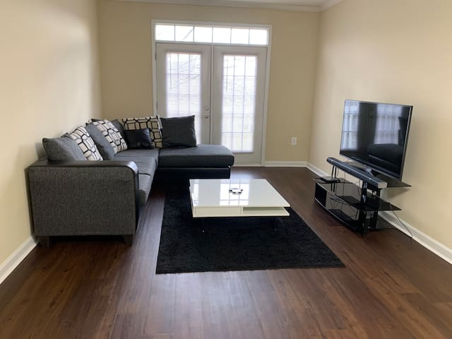 **SPRING BREAK DEAL** 1BR Luxury Apt By Perimeter