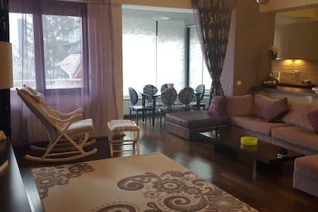 Luxury apartment - exclusive area - București - Квартира