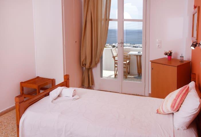 Fantastic Sea View - Private Balcony - Kamari - ที่พักพร้อมอาหารเช้า