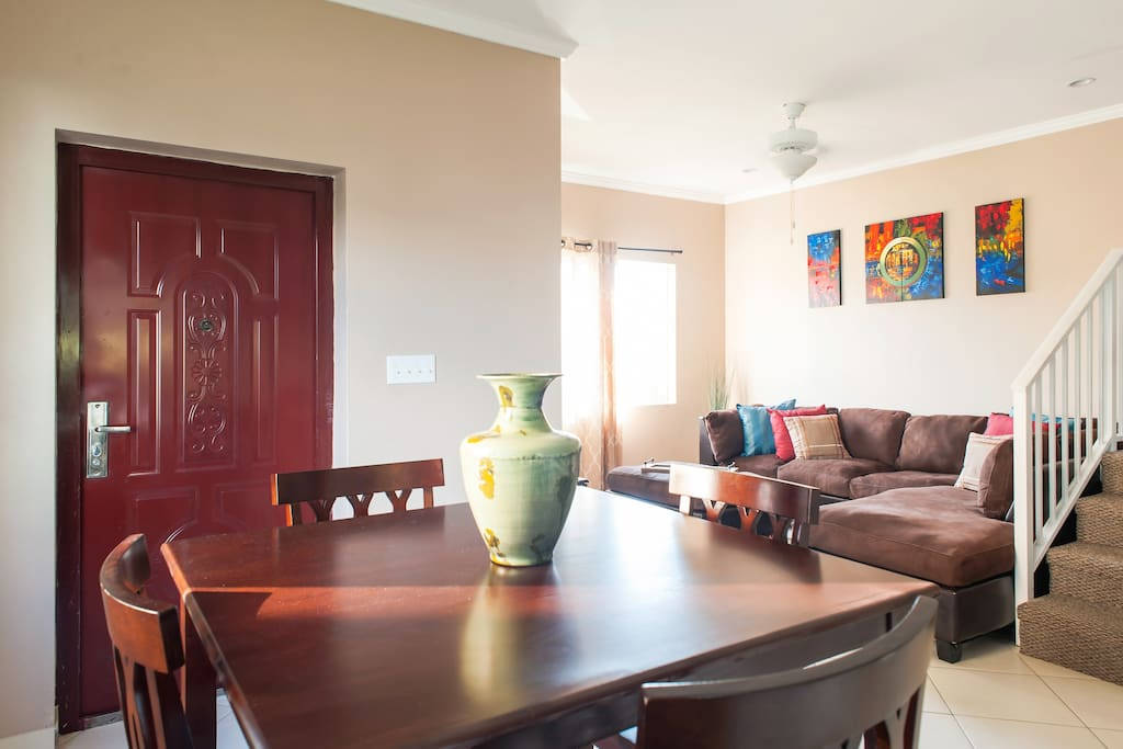 :Living and dining area