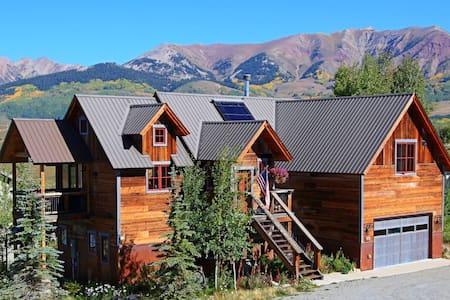 Winterset House 4 Bedroom Home