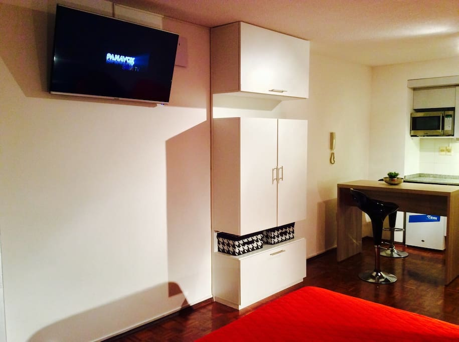 Flat tv and wardrobe