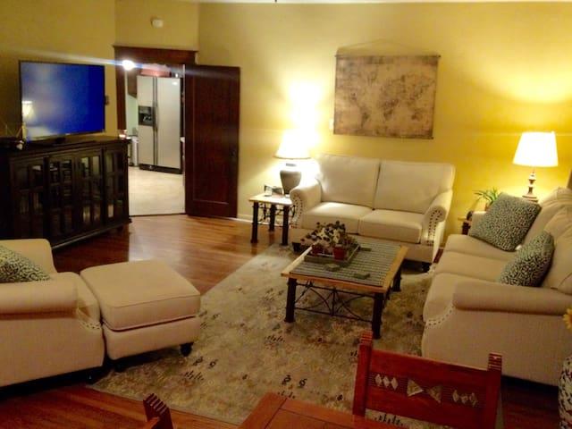 The In-law Oasis - Pueblo - Dom