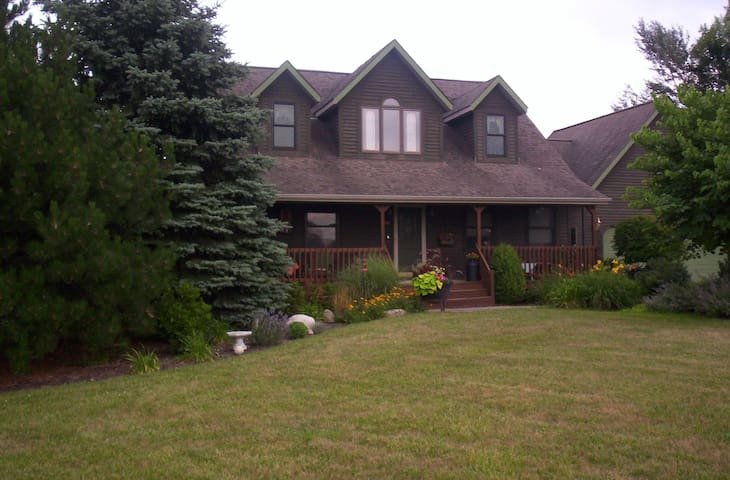 Unique country get-a-way minutes from GR & Holland - Hudsonville - Casa