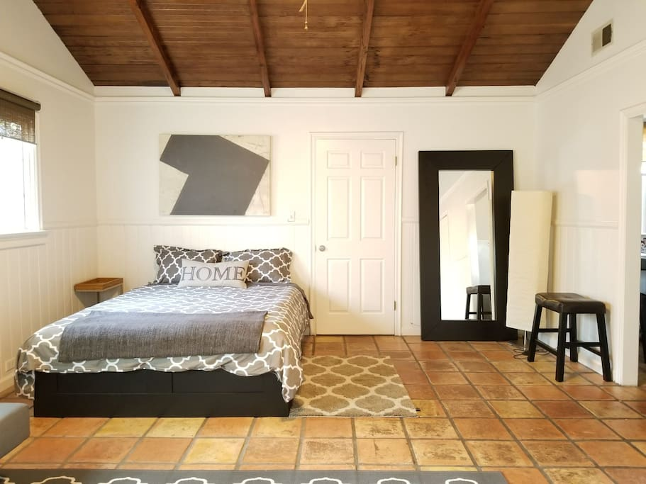 Extra Large guest house with cool, vintage Spanish tile.