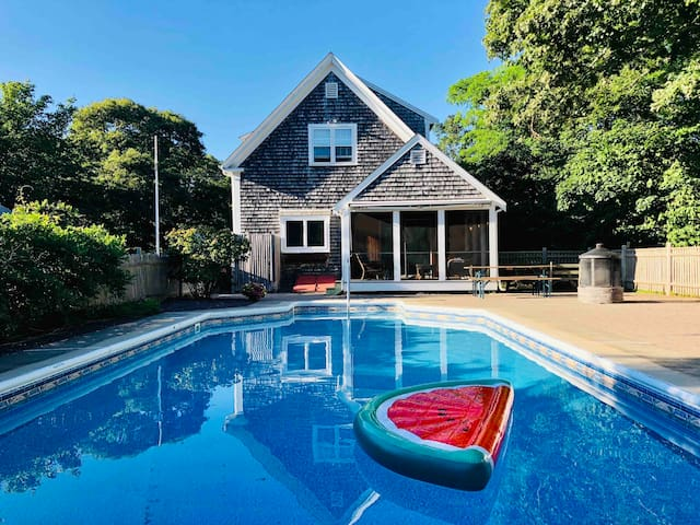 Antique Harwich House with Salt Water Pool