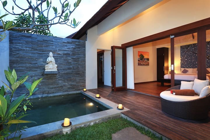 Quite Romantic 1BR Private Villa Close to Seminyak