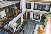 清舍民宿—【山月】大床房 生活在别处的后现代藏式风格