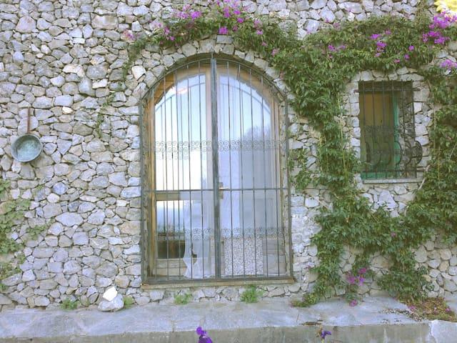 Casetta in pietra vista mare - Noli - Hus