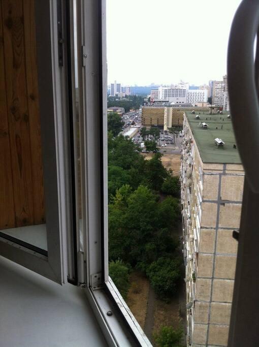 Вид с окна на правый берег