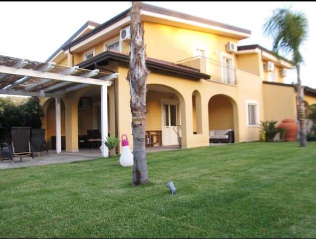 Pizzo Beach Club-Villa V16
