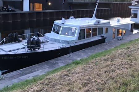 Uniek historisch patrouille vaartuig