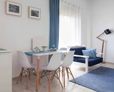 Relaxing white and blue, sunny apartment