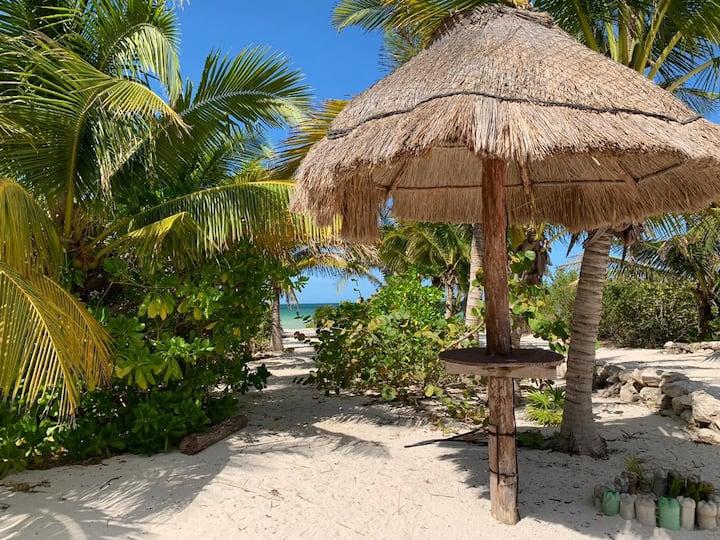 Las perlas beach house 4 bedrooms & pool