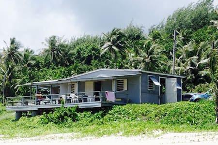 Beach House on East Coast - Rumah