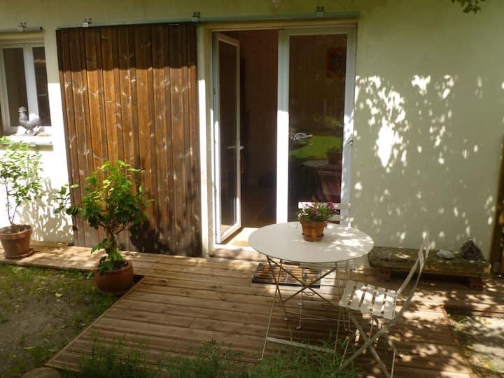La petite maison au fond du jardin