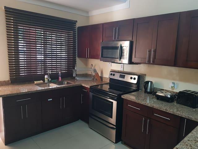 Smart Apartment | 2Bdrm | 2bthrm !!