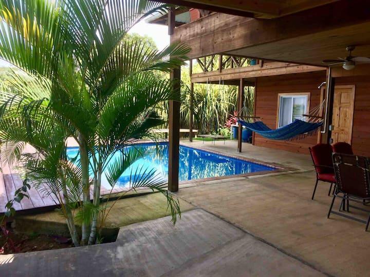 Isla Tiempo Tropical Island Home 2